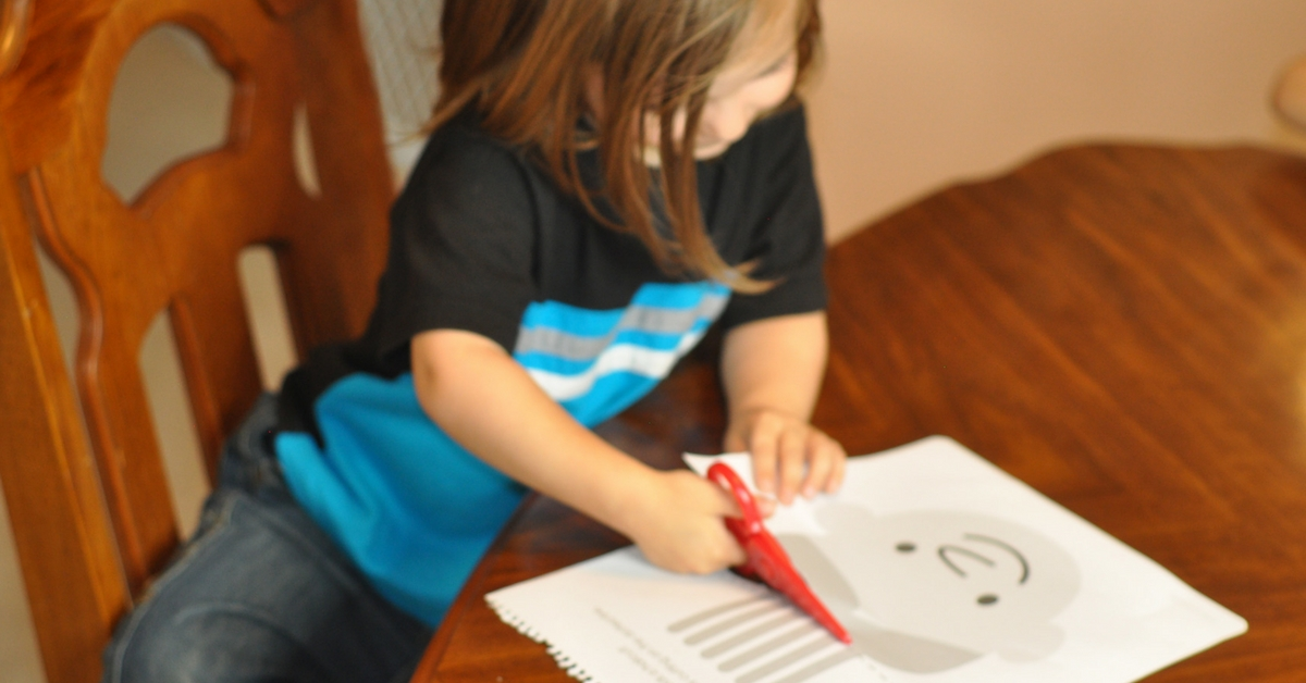 5 Reasons You Need to Give Your Preschooler Scissors!