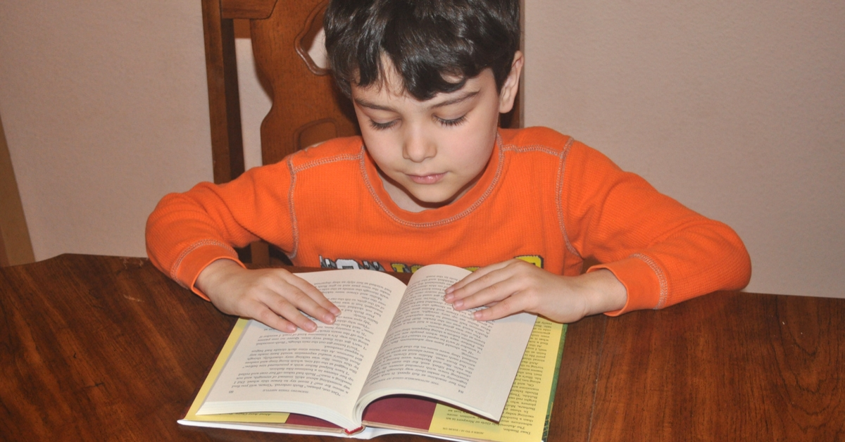 5 Reasons Why My Boys Read Girl Books #ihsnet #homeschooling #reading #raisingboys #boymom #parenting (sponsored)